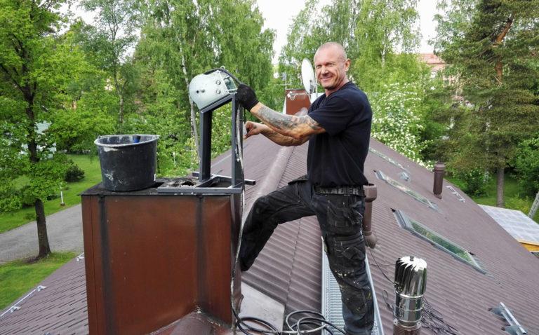 Omistaja ja kattokonkari Arto Fröjdlund